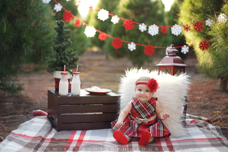 Christmas Mini Sessions.Studio 120 Photography Valencia Family Christmas Mini